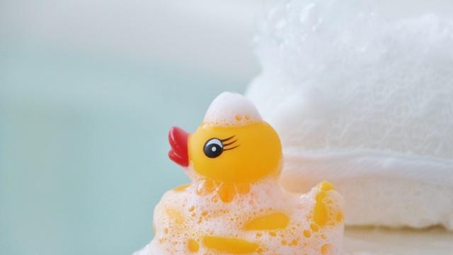 温泉イメージ画像アヒルのおもちゃ